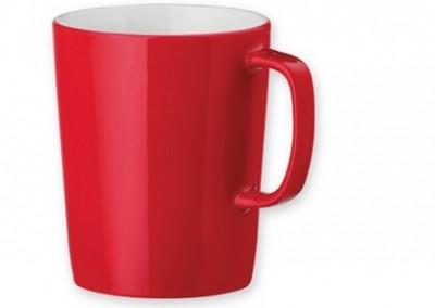Roter Kaffeebecher aus Keramik als Werbemittel
