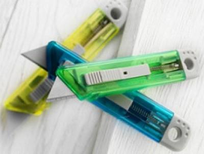 Schneidemesser in vielen transparenten Farben